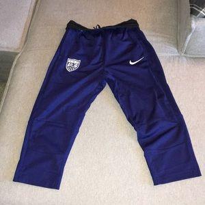 Nike fitted USA Capri soccer pants USWNT
